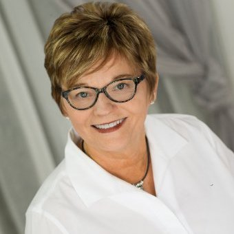 Peggy Cenova